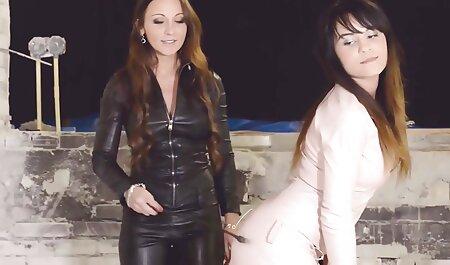 یک فریب دهنده را سکس چاق ویدیو در سالن بزنید.