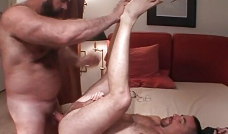 دو فلم سیکس چاق زیبایی جوان با یک خروس چاق لعنتی.