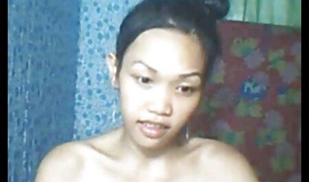 یک تصاویر سکس زنان چاق بلوند با لباس ، هنگام تماشای تلویزیون سوار مانتالا به دوست بهترین دوست خود می شود