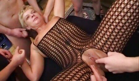 لاغر آسیایی یک خروس بلند را به شدت می خورد فیلم سکس کون چاق