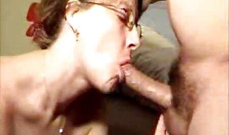مشتری فیلم سکسی عربی چاق مست ، نوار دارویی را بر روی پیشخوان میخکوب می کند.