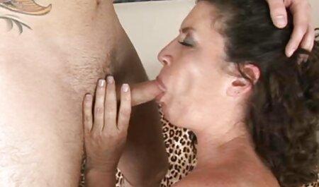 30 ساله لاتین جوانان بزرگ را لیس می زند و خروس فیلم سکسی چاقها می خورد