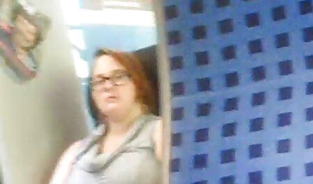 هاهال با یک کلاه بیس بال در یک آلت بزرگ در الاغ یک زن جوان باریک فلم سکس عربی چاق لعنتی