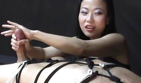 زیبایی فیلم سکس کون چاق مالینا روژل برای عکسبرداری برهنه است