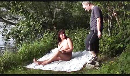 جولیا هر روز خودارضایی می چاق چله سکسی کند.