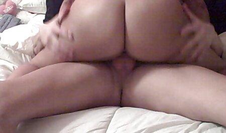 بیمار پرستار کلیپ سکسی زن چاق کرکی را روی قفل جوراب ساق بلند و کرست می کشد