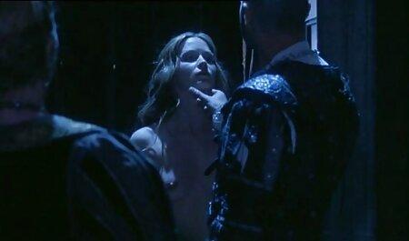 همسر بلوند خروس فیلمسکسی زنان چاق شوهر را جلوی دوربین در خانه استمناء می کند و با یک مشت آن را می بندد