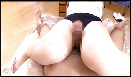 شلخته ورزش در جوراب ساق بلند و پلنگ عکس سکسی کوس چاق پلنگ با یک پسر در یک صندوق عقب می رود