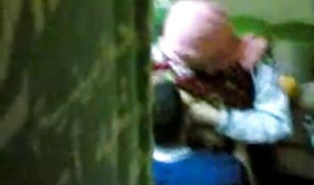 جیمز دین و یک دوست توسط فلم سیکس چاق یک شلخته شکنجه می شوند.