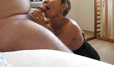 مردی از پشت به طرف او آمد ، پیچ و مهره ای را بر فیلم سکسی زن چاق سفید روی پنجره به داخل باسن بزرگ تلیسه زد و آن را در دهانش گذاشت