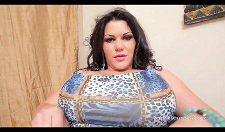 عاشق شورت زنانسکسی چاق دخترانه را فشار داد و الاغ خود را با یک خروس بزرگ لعنتی