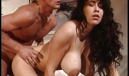 همسر در خانه با شوهر سیاه و سفید با فیلم سکسی زن چاق سفید دوربین عاشق تقلب می کند