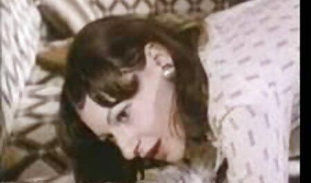 دختران پسر دانلود فیلم سکسی چاق را به زیرزمین فریب دادند تا او را شکنجه کنند.