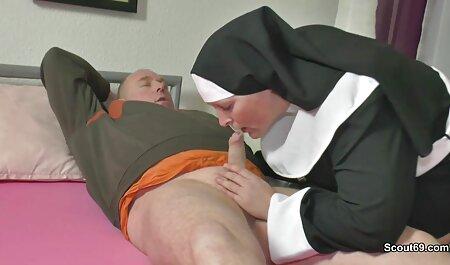 زن در سن دانلود رایگان فیلم سکسی زنان چاق از لعنتی مقعد لذت می برد