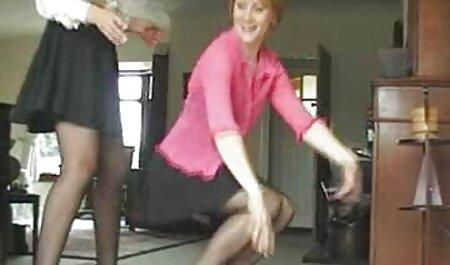 ماچو با سینه بند و چکش پایین ، به زن نازک پوست نازک می فلم سکس زن چاق دهد