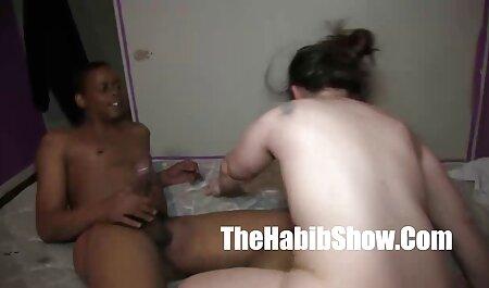 fucks در فیلم سکسی زنهای چاق ورزش با hahale در حمام