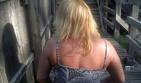 رئیس بالغ در ماندا دانلود فیلم سوپر زن چاق جوراب ساق بلند می شود روی پنجه یک زیردست جوان در دفتر
